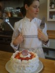 Today in Cooking Class: Low Calorie Strawberry & Merange Cake www.tantemarie.com